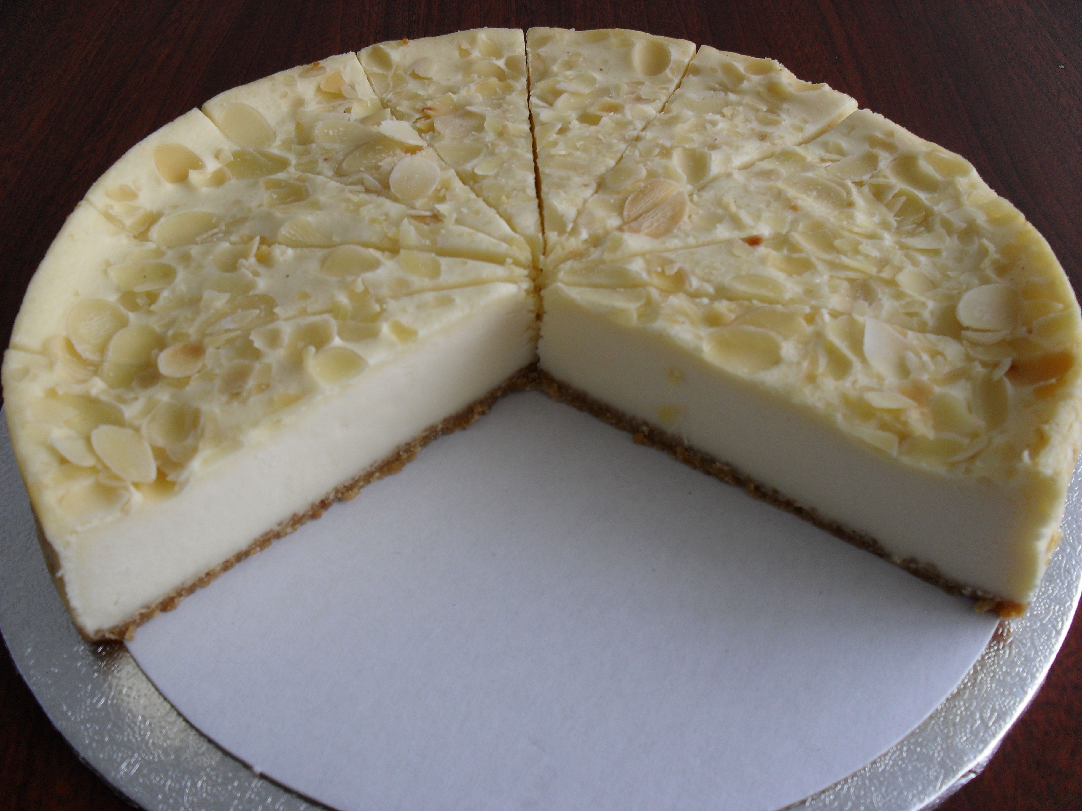 Amaretto Cheese Banquet Cake